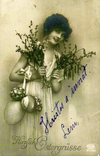 iluatrata vedere postala foto 1915 femeie cu crengi si oua in mana  semnata Hristos a inviat