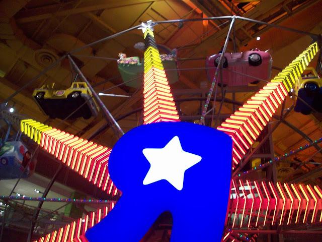 Visita a les botigues de joguines més importants: Toy´rus & FAO