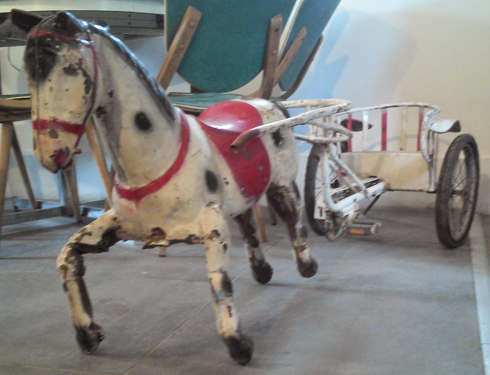 jouet ancien voiture cheval a p dale en t le avec char sulky. Black Bedroom Furniture Sets. Home Design Ideas
