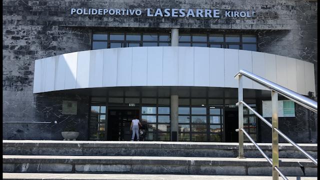 Accesos al polideportivo de Lasesarre