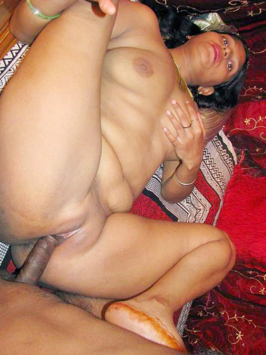 Indian bhabhi in hotel