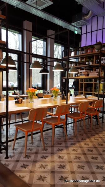 Innenansicht griechisches Restaurant Denkfabrik in Karlsruhe