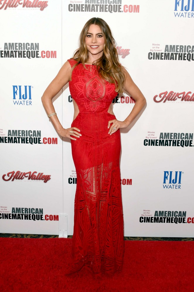 Sofa Vergara puts curves on show at the American Cinematheque Awards 2015