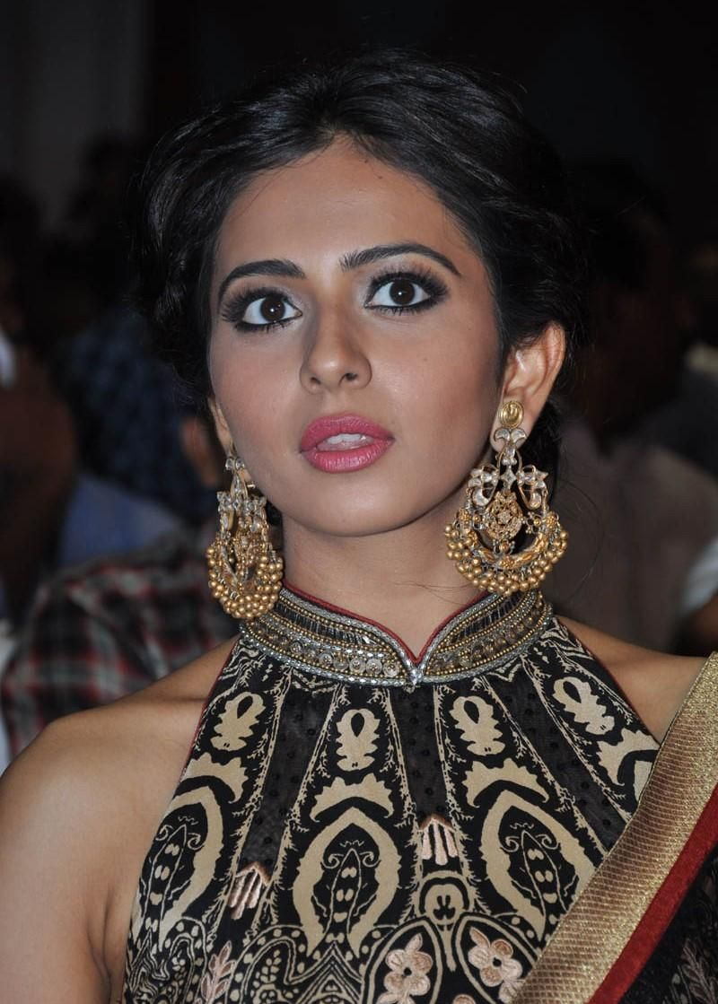 Rakul Preet Singh Fantastic Images & HD Wallpapers