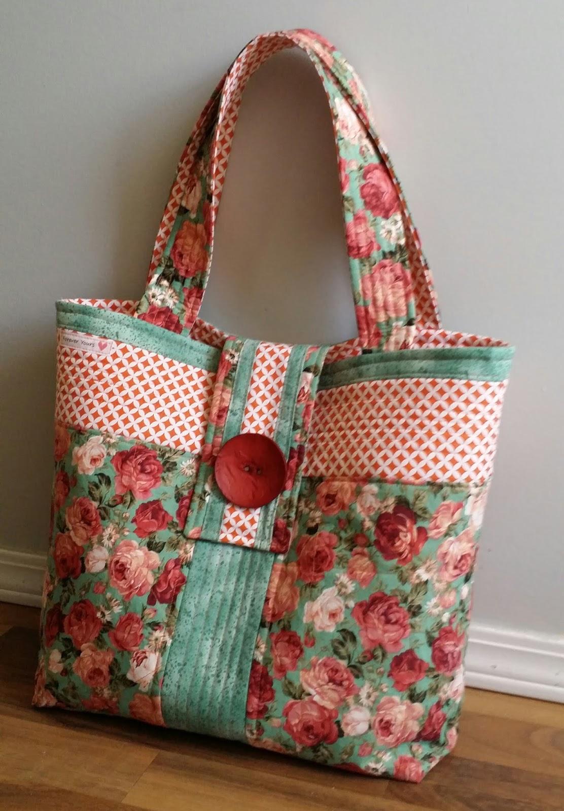 Quilted Knitting Bag Pattern Free : Novice Beginnings: Rose Fabric Tote Bag Tutorial