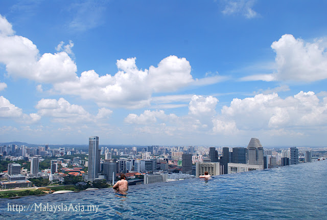 Infinity Pool Sands Skypark Singapore