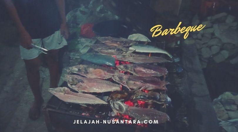 barbeque sekali di malam pertama di pulau harapan