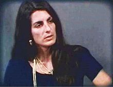 wanita yang bunuh diri di depan acara live tv