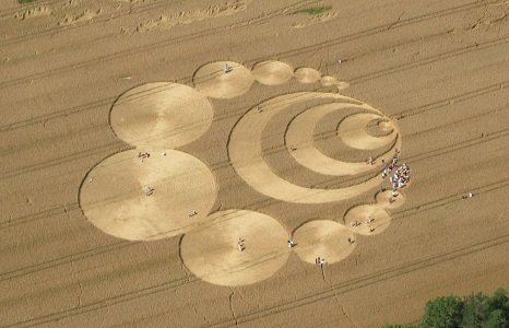 UFO Çizimi (Ekin Çemberleri) Fotoğrafları ve Hakkında Bilgi