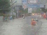 Djarot Sebut Cuma Genangan,  54 Titik Banjir Rendam Ribuan Rumah di Jakarta