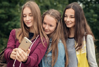 Τι σημαίνει να μεγαλώνεις κopίτσια μέσα από 15 ρεαλιστικές φωτογραφίες