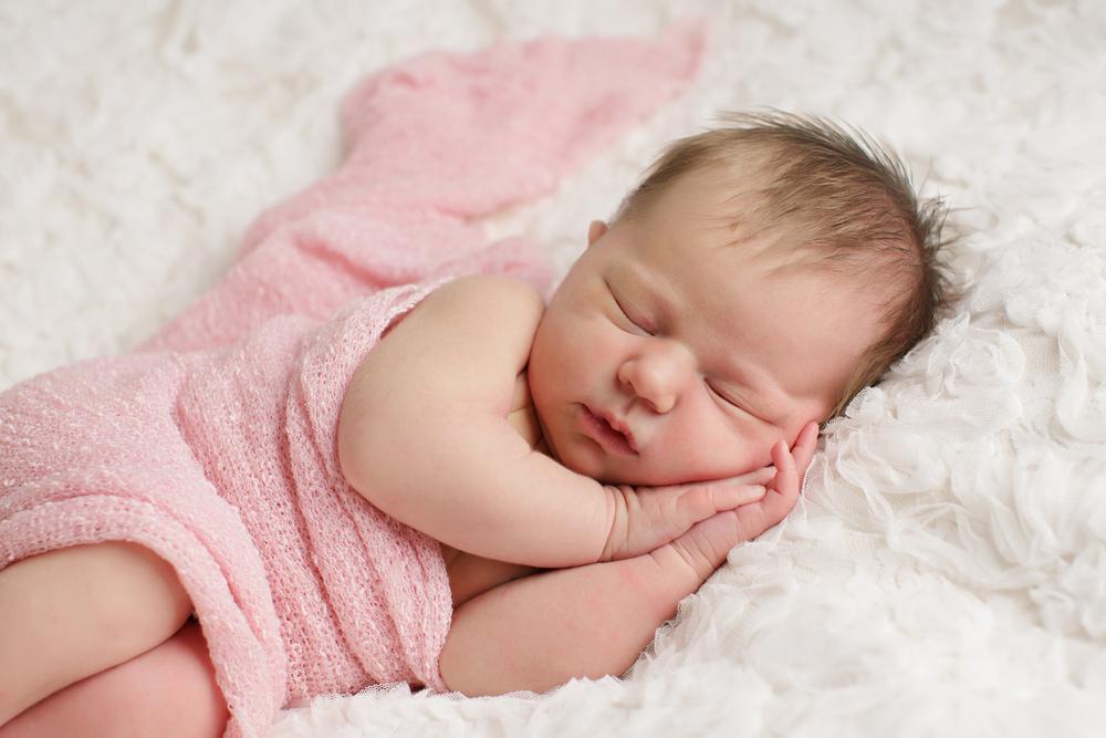 Apa Saja Perkembangan Bayi Baru Lahir 2 Minggu?