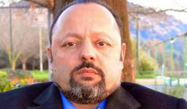 Συνελήφθη ο Αρτέμης Σώρρας στον Άλιμο. Κυκλοφορούσε σαν παπάς