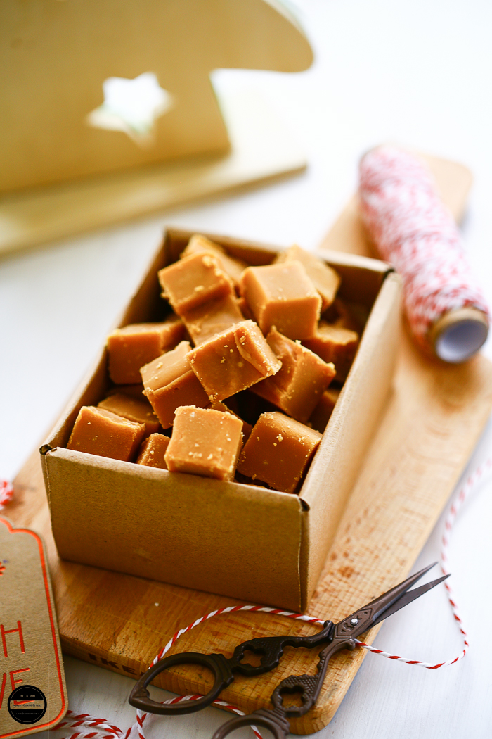 These Rich, Tasty and Delicious Cardamom, Cinnamon and Caramel Fudge are so easy to make which melts in your mouth and it is perfect for festive holiday and makes a darn good gift.