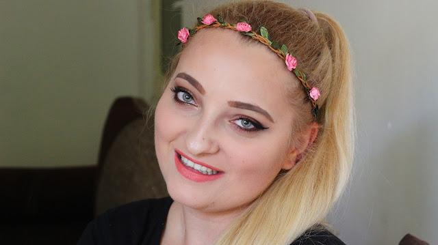 Czekoladowy makijaż z użyciem czekoladowej palety.