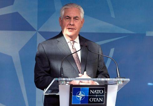 Tillerson exige a la OTAN aumentar gastos en defensa