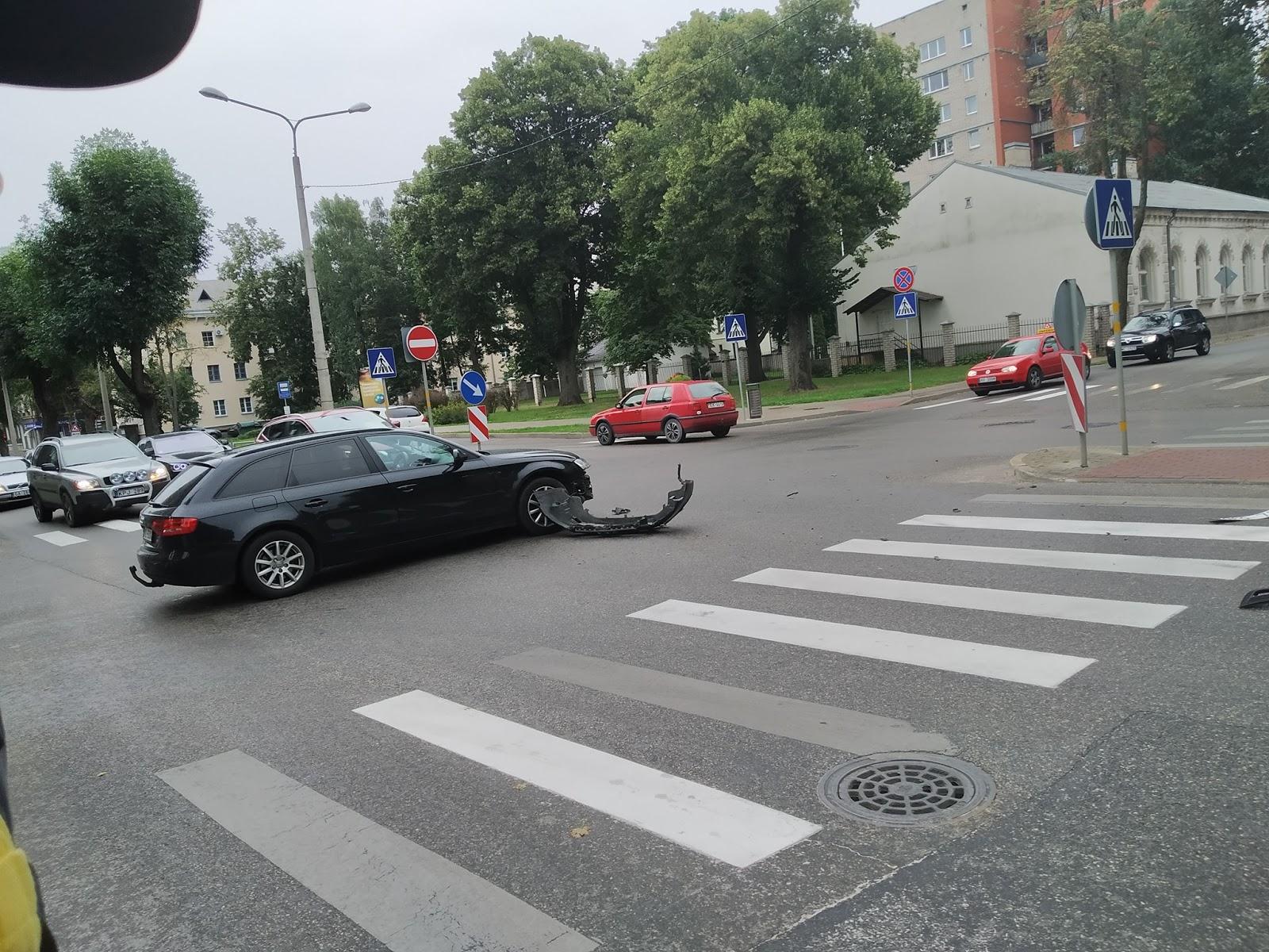 Divu auto sadursme Daugavpilī