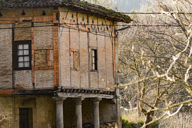 Via Verde de Arrazola, Torre de los Marzana por El Guisante Verde Project