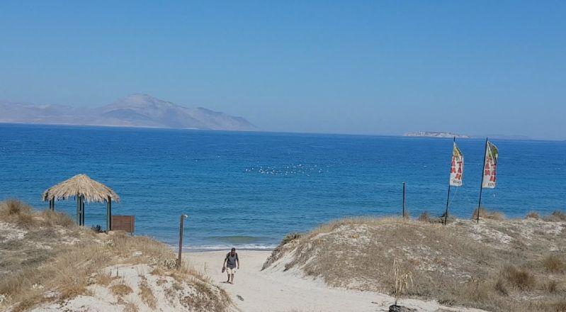 Strand der Tam-Tam-Bar an der Nordküste der Insel Kos