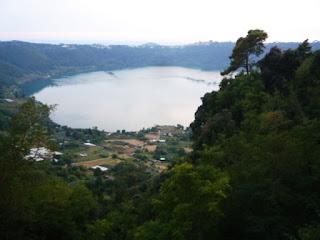 NEMI - Excursão à região dos Lagos: Nemi
