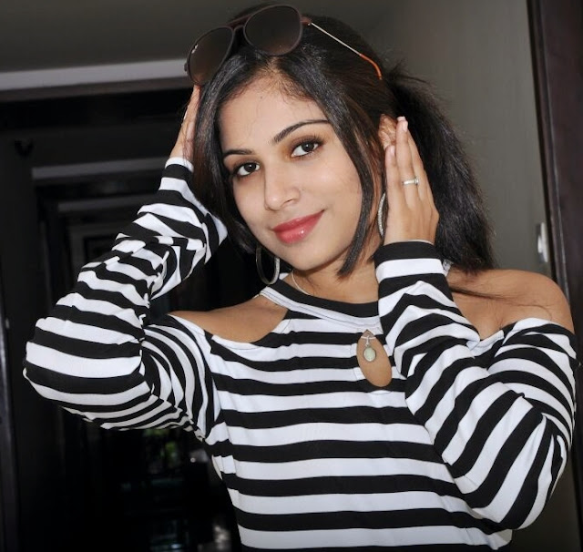 Vrushali Gosavi (29)