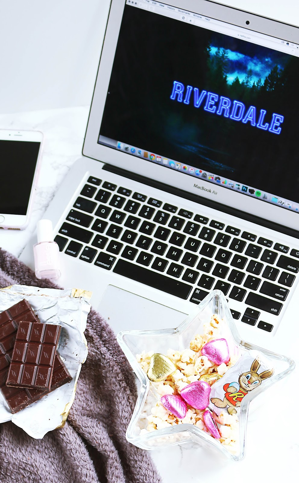 Lifestyle, gif post, Riverdale, TV, netflix, Lists, Riverdale season 1, things I think when I watch riverdale, riverdale review, what is riverdale like, what to watch on netflix