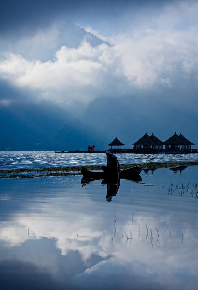 Option Seller - Lake Batur, Bali, Indonesia