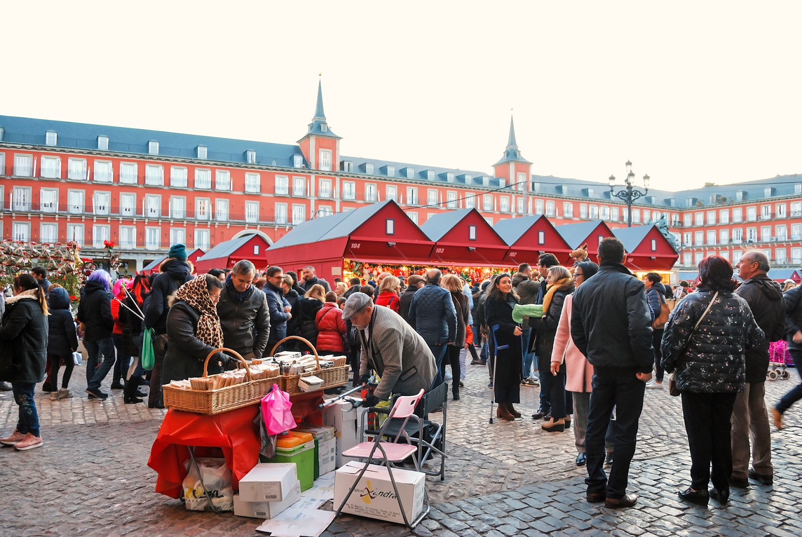 mercado plaza mayor madrid navidad christmas