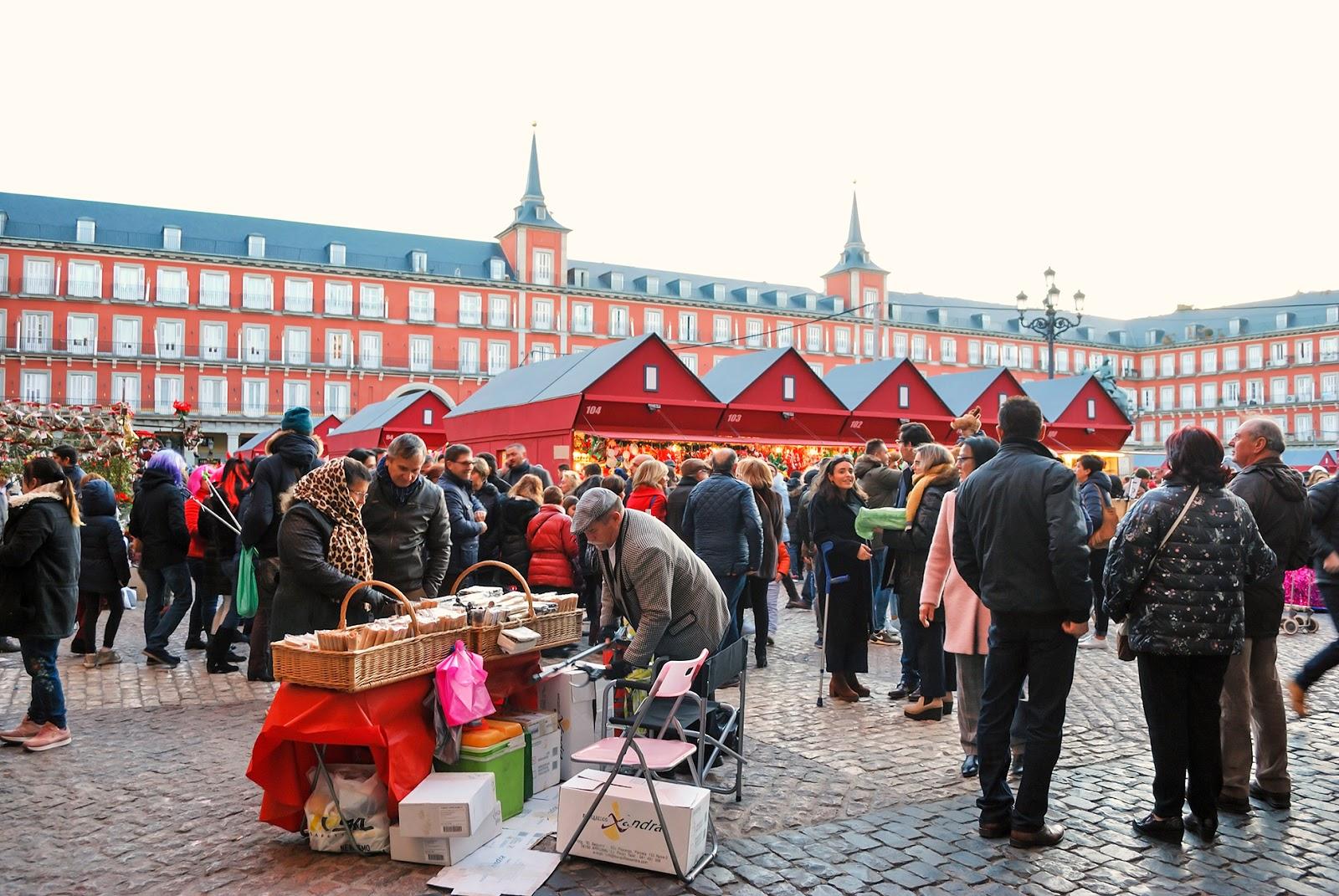 mercado plaza mayor madrid navidad christmas