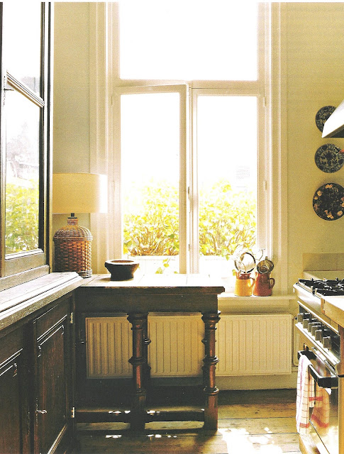 Marie Claire Maison Mai-Juin 2005 kitchen, edited by lb for linenandlavender.net, post: http://www.linenandlavender.net/2009/07/heart-of-home.html