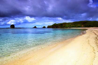Pantai Kuta Lombok, Pantai Dengan Sejuta Keindahan