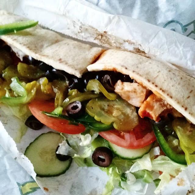 Un petit brin Bollywood chez Subway un sandwich poulet au beurre