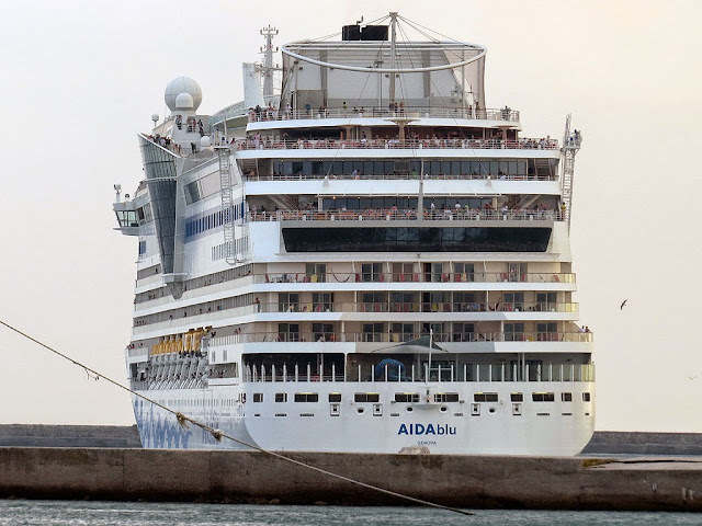 AIDAblu Cruise ship, IMO 9398888, port of Livorno