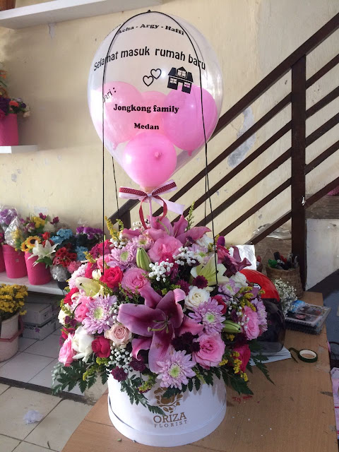 beli karangan bunga di surabaya, toko bunga di surabaya yang murah, toko bunga lily surabaya