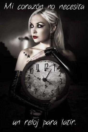 """é que los problemas pasan, la tristeza pasa,  el dolor pasa, la soledad pasa, la ternura queda, el amor perdura,  la esperanza permanece,  la amistad existe,   la vida no es negociable y que el tiempo se puede detener,   porque yo lo he conseguido,  y por tanto mi corazón no necesita un reloj para latir.  """"Cuando somos lo que hacemos y hacemos lo que somos el tiempo se detiene""""  Todo pasa en esta vida."""