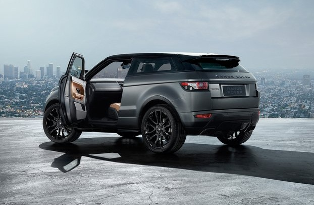sport car garage land rover range rover evoque victoria beckham 2012. Black Bedroom Furniture Sets. Home Design Ideas