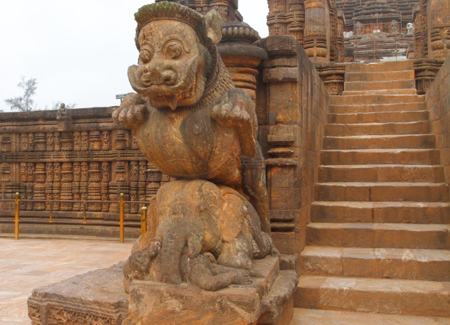 The lion, elephant, human statue at the entrance of Sun temple, Konark, Odisha