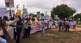 groups protest for and against Buhari in Abuja