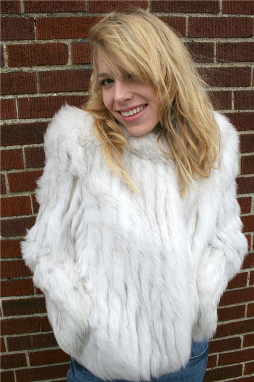 LAFOURRURE2: Fur coat love passion