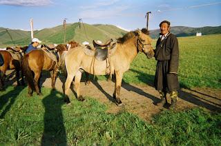 Mongolia, hevosmies, mongolianhevonen, ratsastusmatka, riitta reissaa