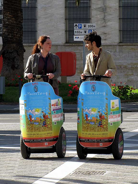 Per Madre Terra, For Mother Heart, segways, Livorno