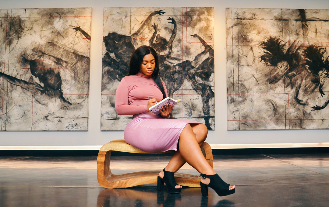 Jadore Thembi Sitting Pink art