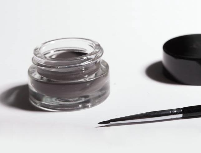 Sourcils et textures crèmes : comment ne pas se rater