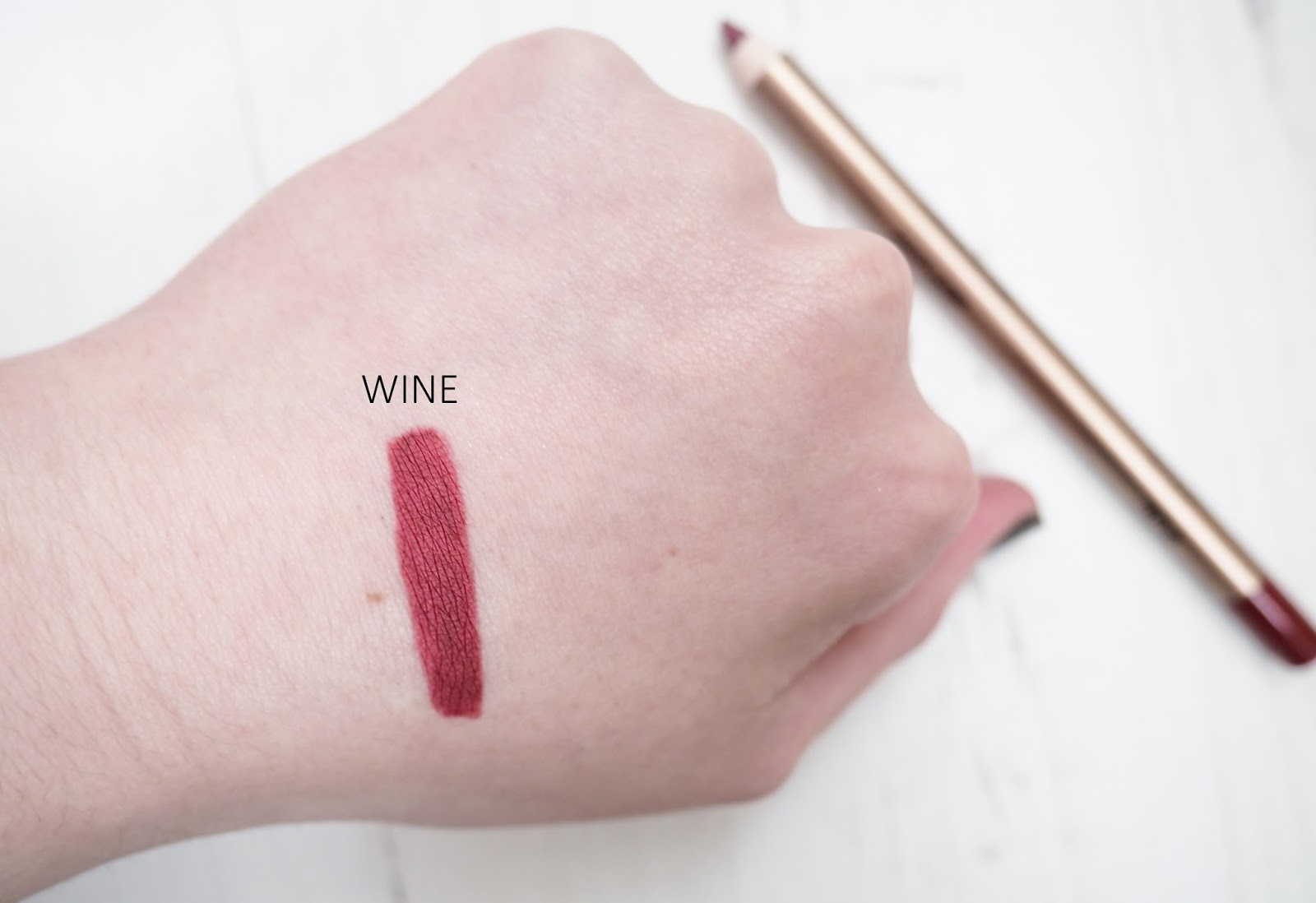 KIKO Lip Liner 304 Wine Swatch