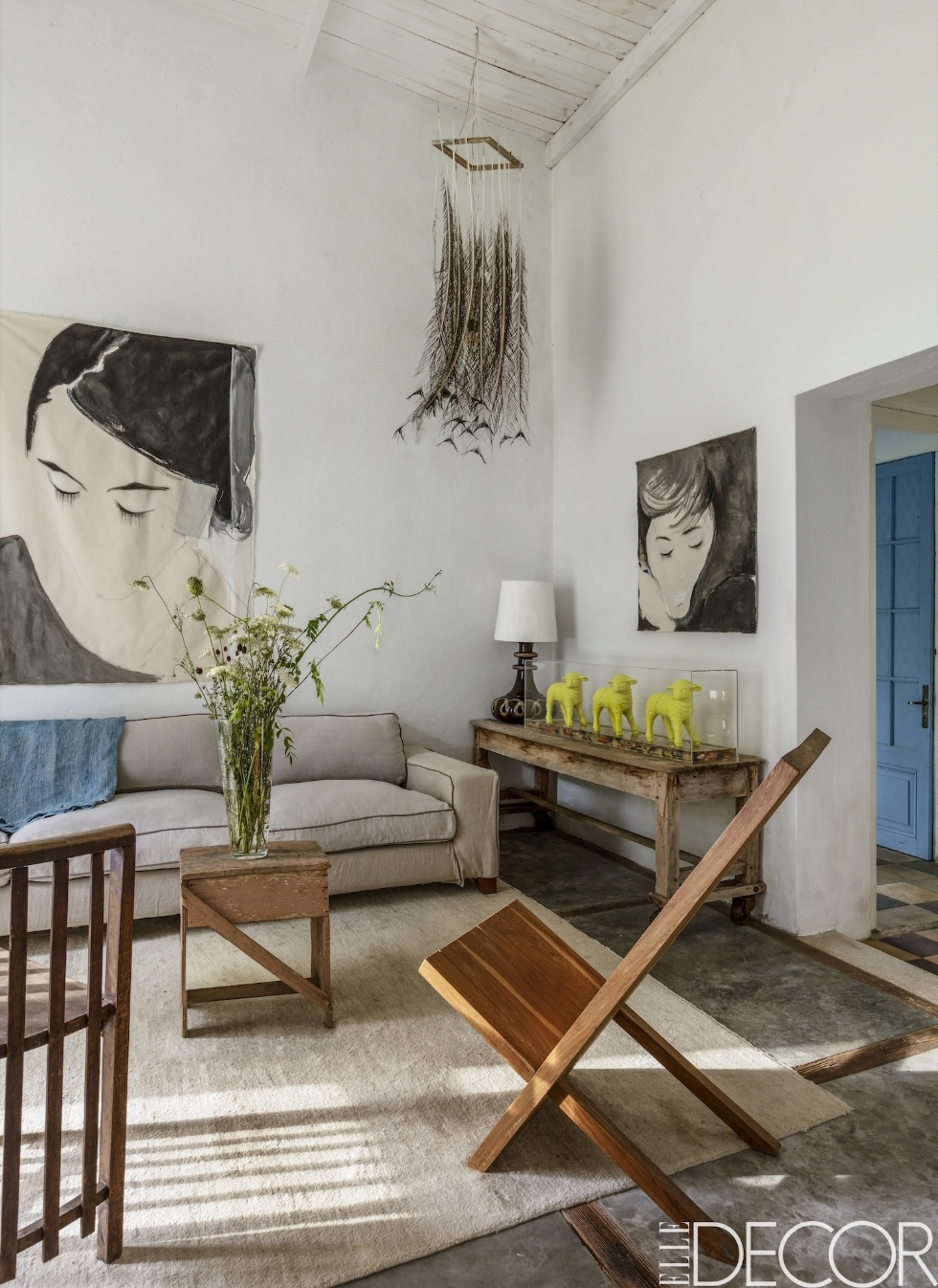 Decordemon a timeless home in uruguay for Minimalist wall art ideas