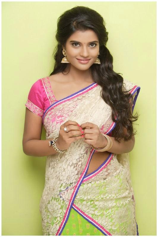 Aishwarya Cute Wallpaper Aishwarya Rajesh Photoshoot Stills South Indian Actress