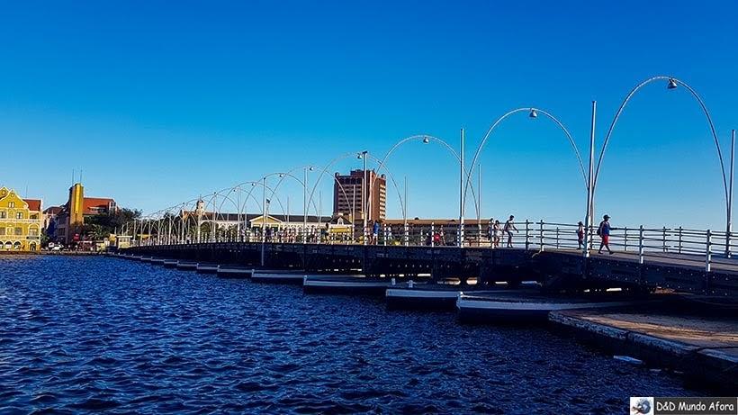 Ponte Móvel Rainha Emma  - O que fazer em Curaçao