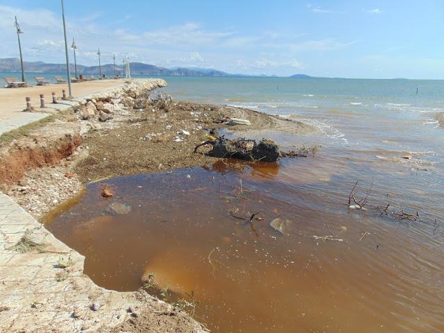 Κλιμάκιο του ΚΚΕ με επικεφαλής τον Νίκο Γόντικα επισκέφτηκαν περιοχές της Αργολίδας που επλήγησαν από τις πρόσφατες πλημμύρες