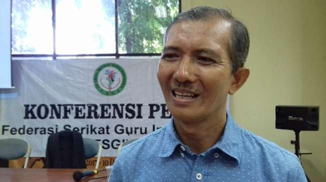 Federasi Serikat Guru Indonesia Protes Anies-Sandi Soal Salurkan Hibah. Alasannya Mengejutkan!!