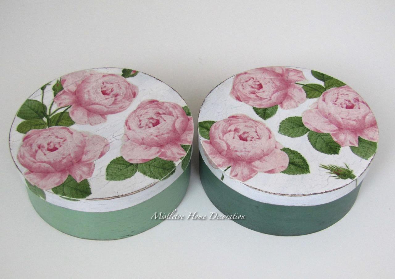 #884356 Mistletoe Home Decoration: Aged Decoupage Boxes With Roses 6365 décoration noel découpage 1280x905 px @ aertt.com